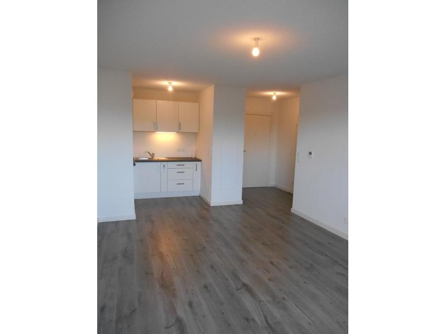 Location Appartement MONTFAVET 7