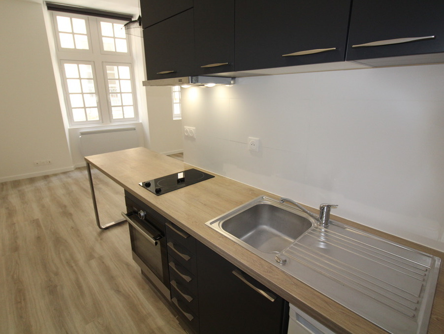 Location Appartement BORDEAUX  620 €
