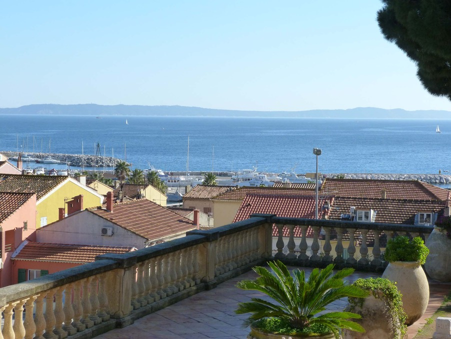 Location Appartement LE LAVANDOU  430 €
