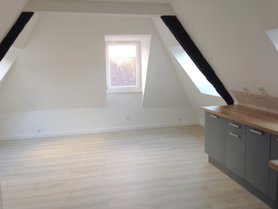 Location Appartement GUINGAMP  380 €