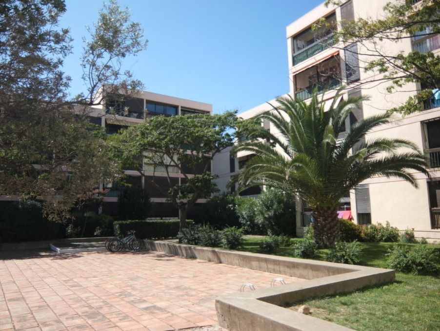 Location Appartement  avec parking  Saint-Cyprien-Plage  595 €