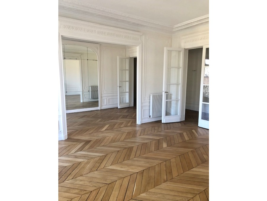 Location Appartement  4 chambres  PARIS 17EME ARRONDISSEMENT 4 980 €