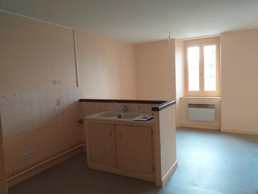 Location Appartement Merlines  260 €