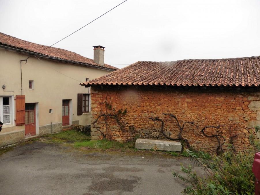 Vente Maison CHASSENEUIL SUR BONNIEURE 32 000 €
