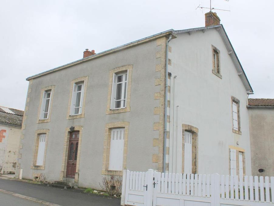 Vente Maison Saint-hilaire-de-voust 70 600 €