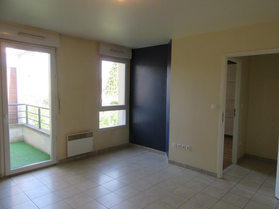 Location Appartement  1 chambre  MAGNY LES HAMEAUX  743 €