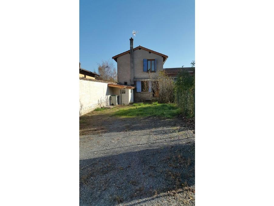 Location Maison AMBERIEUX  592 €